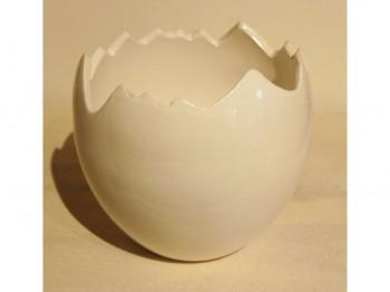 Eierschale aus Keramik